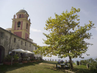 fotografia del piazzale del Santuario