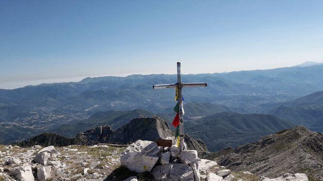 Vista panoramica dal Monte Tambura